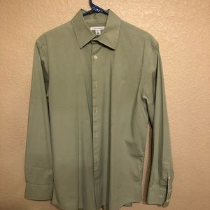Men's Banana Republic button down dress shirt.